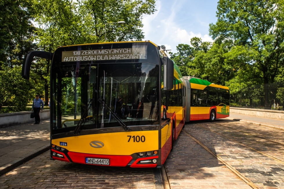 130 zero-emission buses on their way to Warsaw