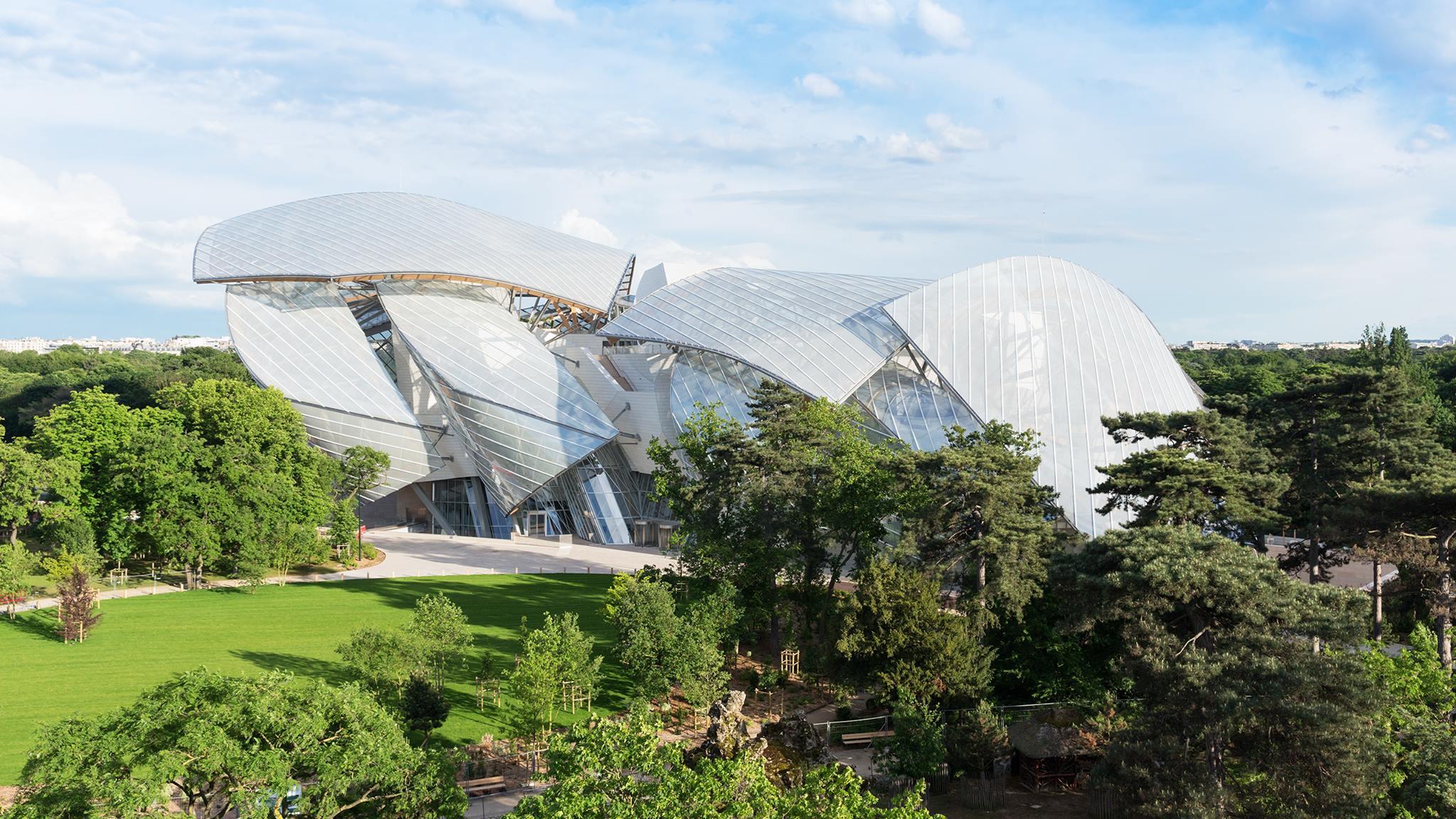 The Fondation Louis Vuitton - a model of emblematic architecture
