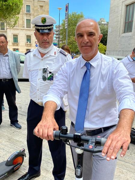 500 e-scooters are available in Pescara