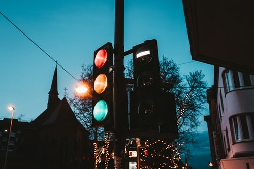 Traffic lights that think and communicate improve traffic flow in Vienna