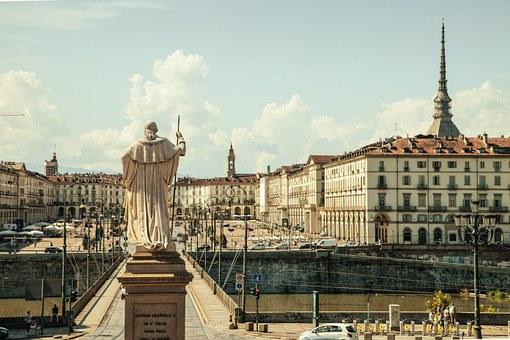 Turin marks the 500th anniversary of Leonardo's passing