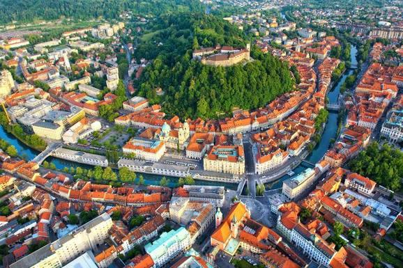 Slider visit ljubljana