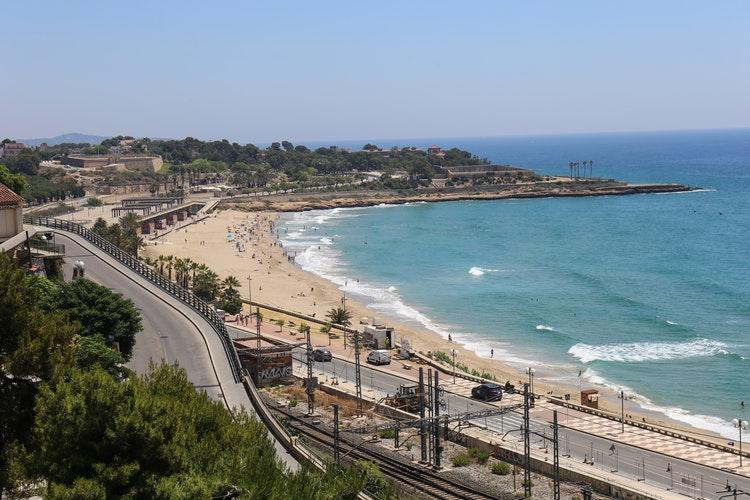 Tarragona isma llanes on unsplash