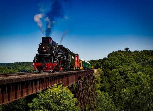 Slider train 1728537 640
