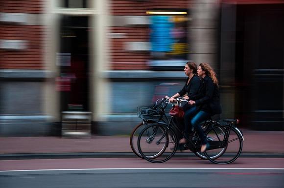 Slider cyclists 690644 960 720