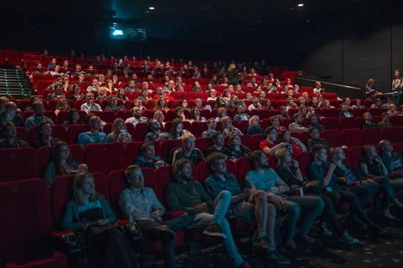 Slider cinema