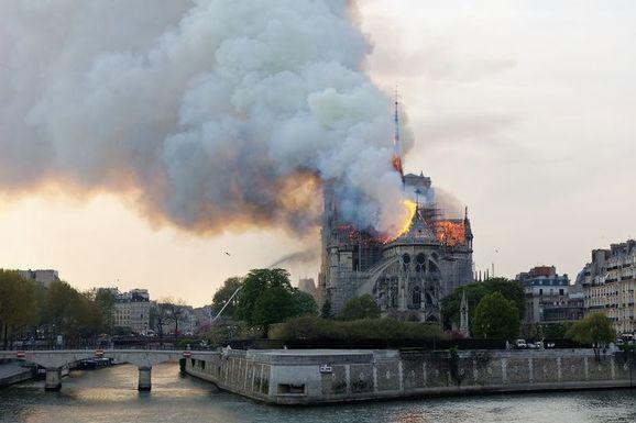 Slider large incendie notre dame 5   henri garat   ville de paris