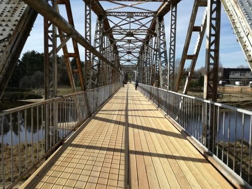 Slider 21023 dzelzs tilts