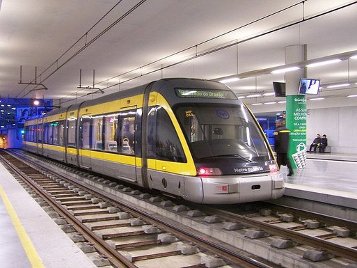 Slider 800px metro do porto flexity outlook eurotram trindade