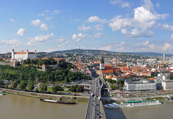 Slider bratislava panorama r01