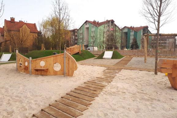 Slider krakow reduta park