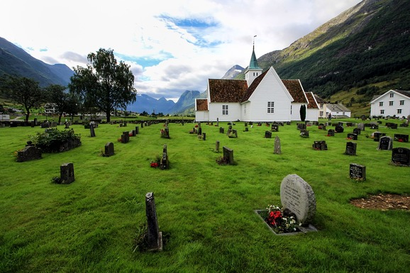 Slider cemetery 4102571 1280