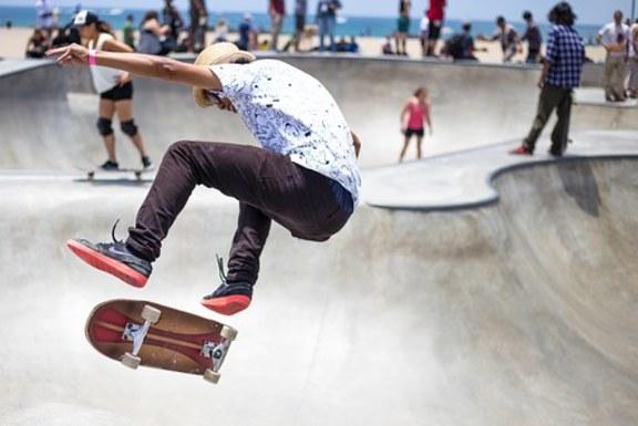 Slider skater