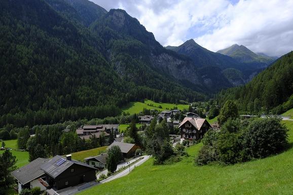 Slider village 3633153 1280