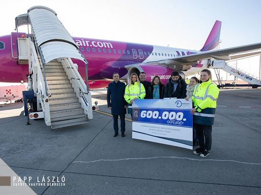 Slider debrecen airport 600 000th passenger