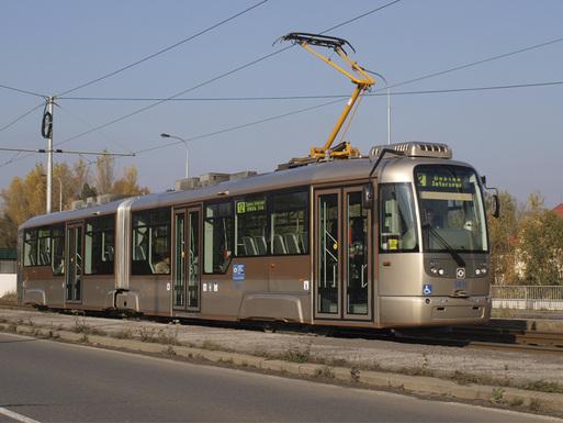Slider low floor double articulated tram by dpo.cz