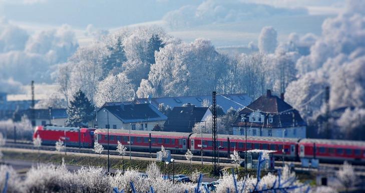 Slider train 2947086 1280