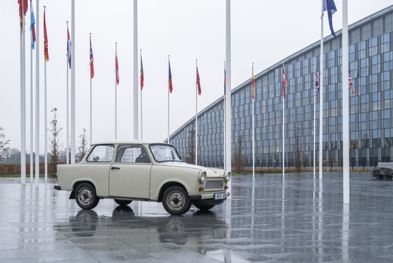 Slider trabi   bulgaria s atlantic trabant
