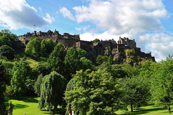 Slider edinburgh castle 959082 1280