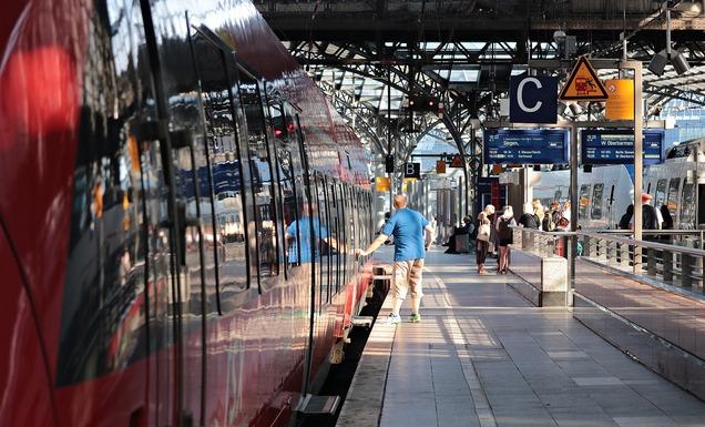Slider train 4320077 1280