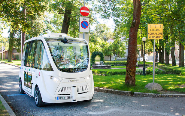 Slider estonia driverless bus