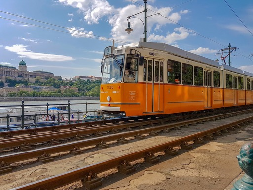 Slider budapest tram
