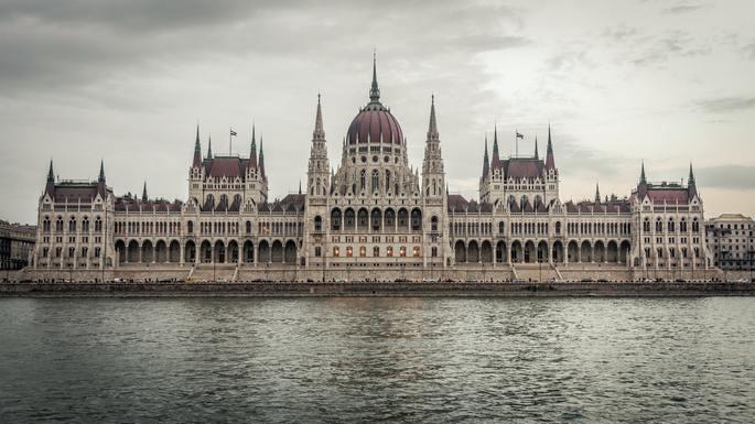 Slider budapest  parliament