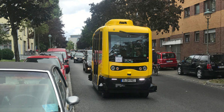 Slider berlin bus
