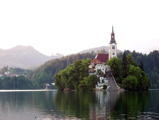 Slider lake bled 2400063 1920