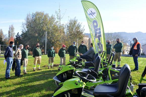 Slider braga lawn tractors
