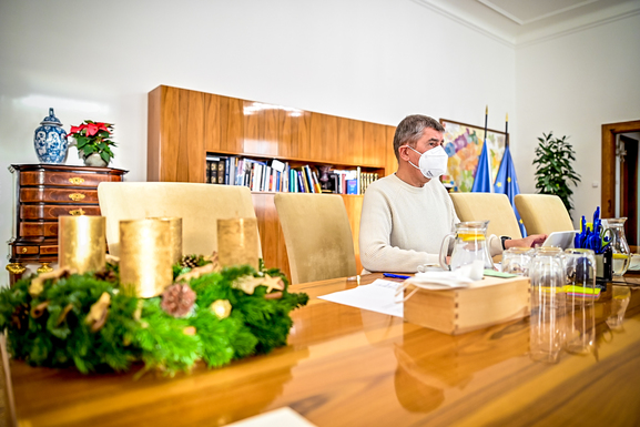 Slider prime minister andrej babi%c5%a1 during an extraordinary cabinet meeting  november 29