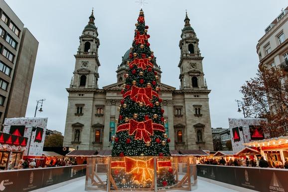 Slider budapest christmas market 2