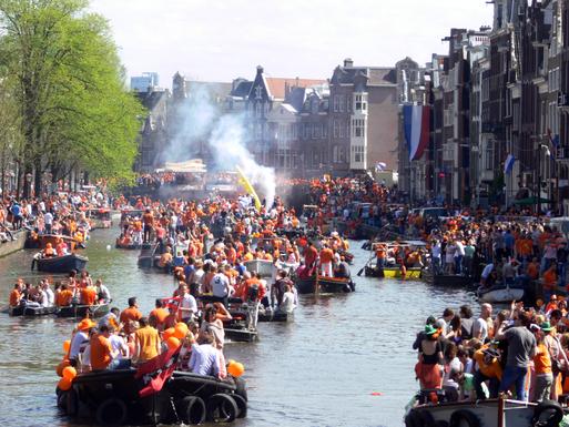 Slider amsterdam   koninginnedag 2012   prinsengracht boats