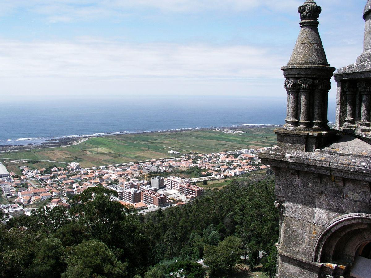 Optimized viana do castelo beach view