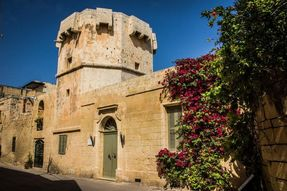 Biggest thumb octagonal tower qrendi website
