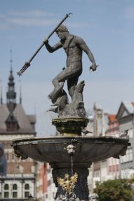 Biggest thumb neptune fountain   gdansk