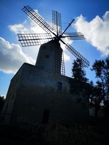 Biggest thumb zurriq windmill a dimitrova