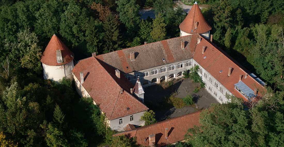 Kerestinec castle