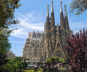 Biggest thumb sagrada familia 552084  340