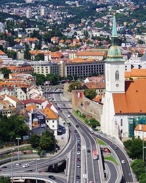 Bratislava 1569359 1280