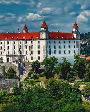 Bratislava 1905408 1280