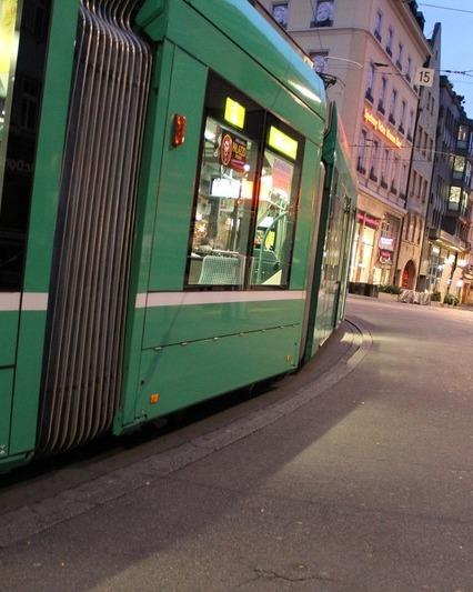 Tram 193986 1280