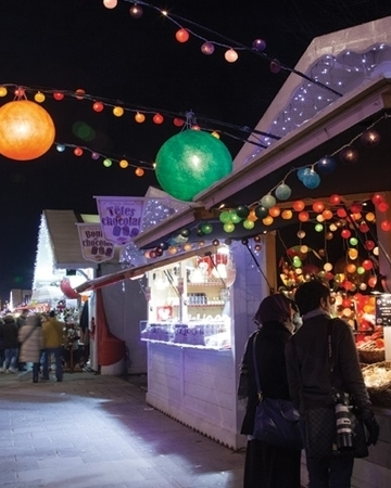 Champs elysee christmas market paris 1