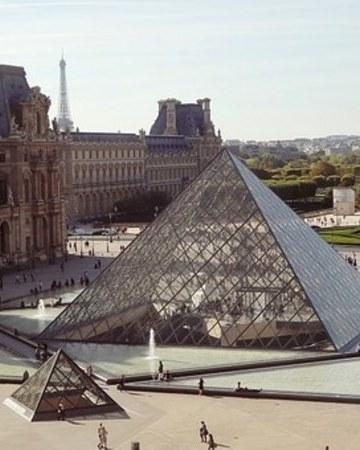 Pyramid 495398  340