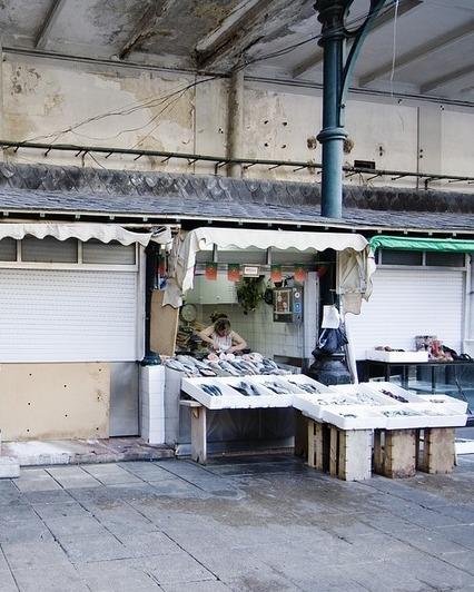 Porto market stalls