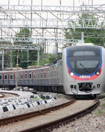 Train 2340597 1280