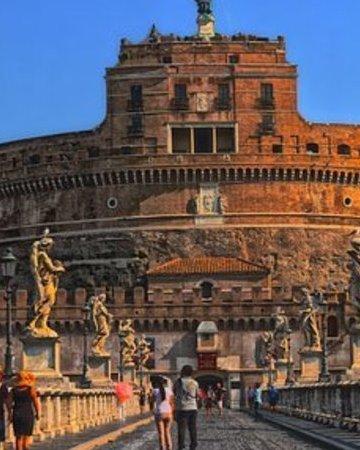 Rome 2462105  340