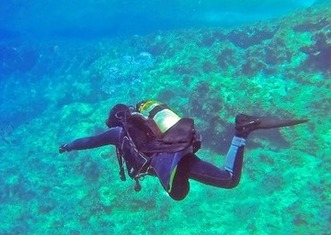 Thumb scuba diver 1049945 1920