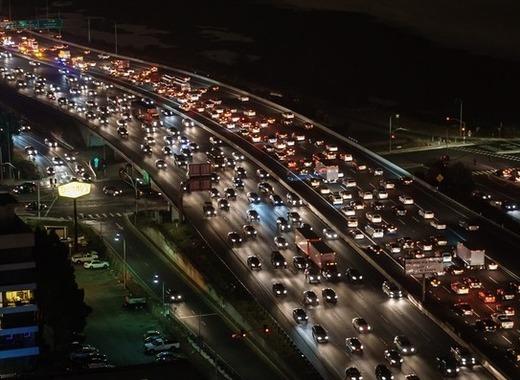 Medium traffic jam 1703575 1920