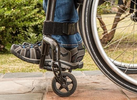 Medium wheelchair 1595802 1920
